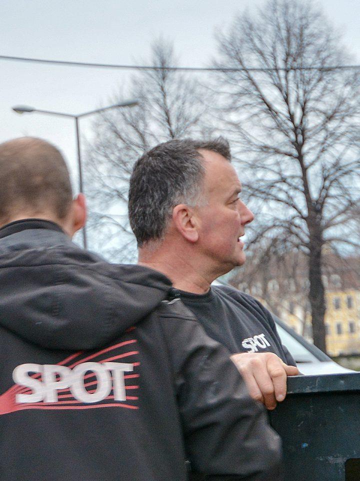SPOT-Gründer Roberto Brückner beim Aufbau zum Semperopernball